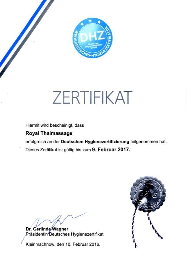 """Ausgezeichnet mit dem """"Deutschen Hygienezertifikat"""" in 2014, 2015 und 2016 Die Royal Thaimassage befindet sich in einem kontinuierlichen Verbesserungsprozeß. Dabei steht die Gesundheit unserer Kunden und Mitarbeiter sowie ein guter Wohlfühlfaktor auf Basis von Vertrauen in Hygiene und Sauberkeit in unserer Massagepraxis im Vordergrund. Im Rahmen unserer Verbesserungen haben wir weitere effektive hygienespezifische Prozesse implementiert und wurden dafür 2014 erstmals mit dem """"Deutschen Hygienezertifikat"""" ausgezeichnet. Im Jahr 2015 und 2016 wurden wir ohne Auflagen erfolgreich nachzertifiziert."""